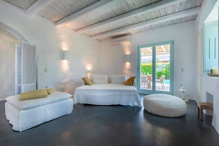 White Pearl Villa Kos_tsimentokonia & asvestochromata_Damask atelier