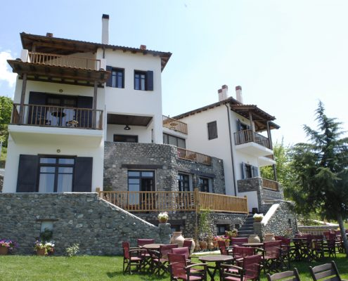 DAMASK projects_guest house at Poroia Serres