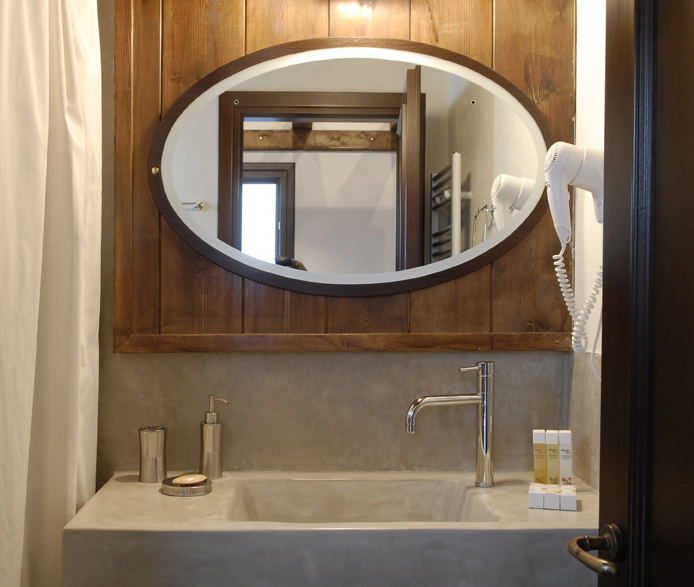 DAMASK_beton cire_bath-guest house at Poroia Serres