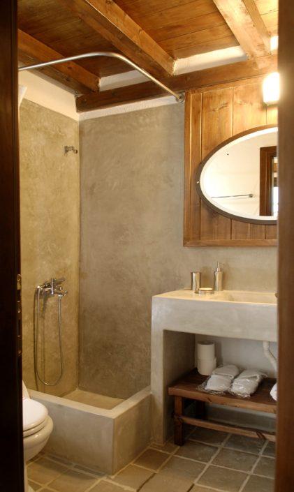 DAMASK_beton cire_bath_guest house at Poroia Serres_a