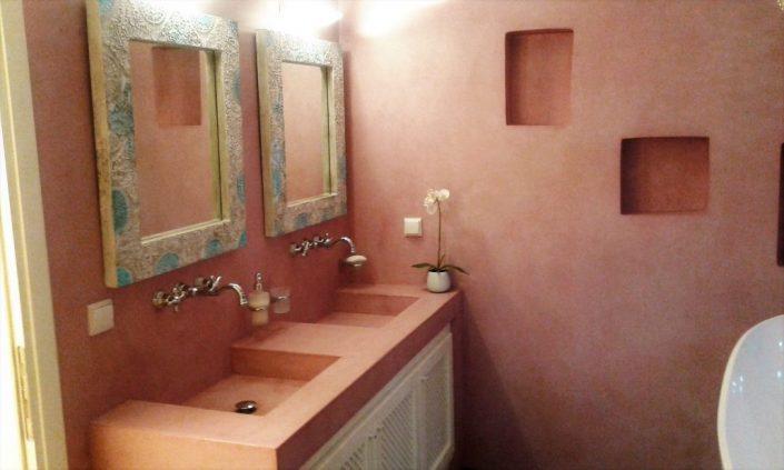 DAMASK_beton cire_bath_residence in Kos