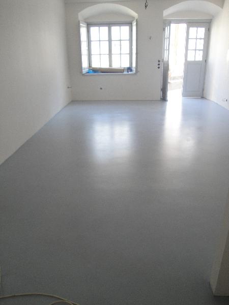 DAMASK_beton cire_residence in Hydra