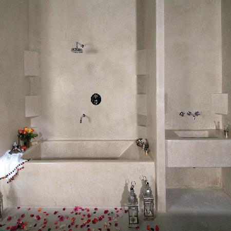 tadelakt bath Athens