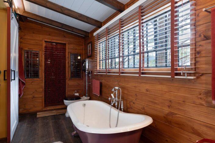 freestanding bathtub_Vasilikia Mountain Retreat_Damask_a